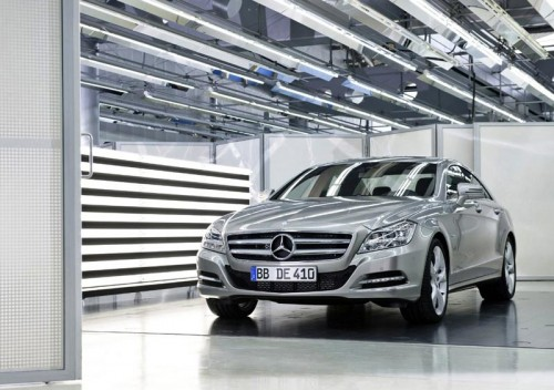 top-class-interior-designer-for-mercedes-showroom