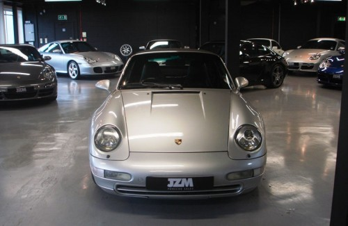 top-class-interior-designer-for-porsche-showroom
